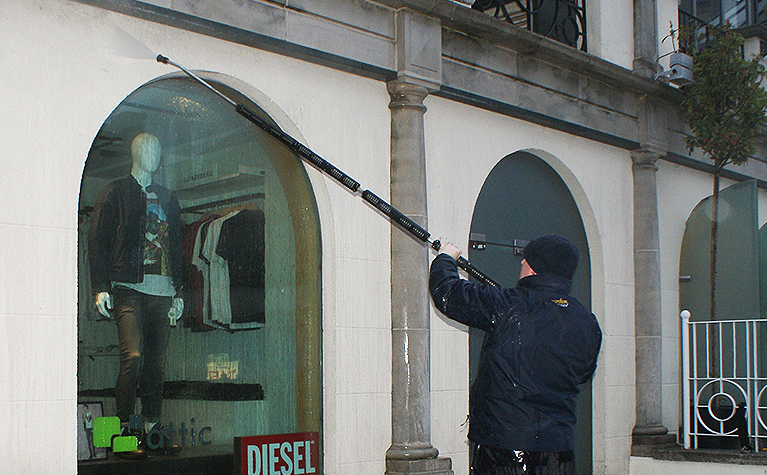 Aberdeen Security - Facilities Management   Window Cleaning - Apardion