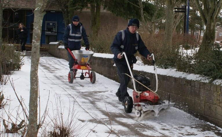 Aberdeen Security - Facilities Management   Winter Gritting - Apardion